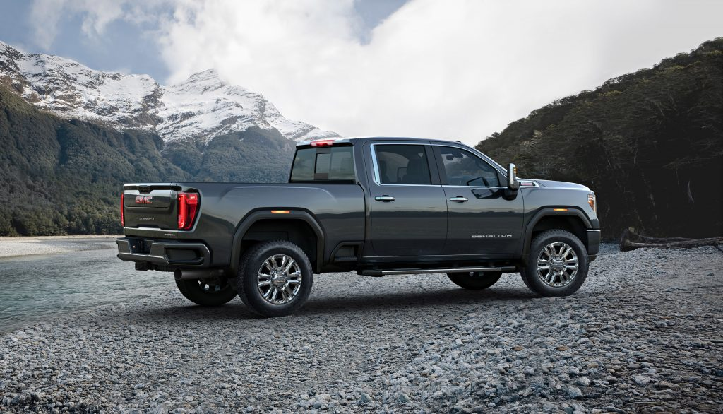 2020 GMC Sierra 2500HD Denali Side view