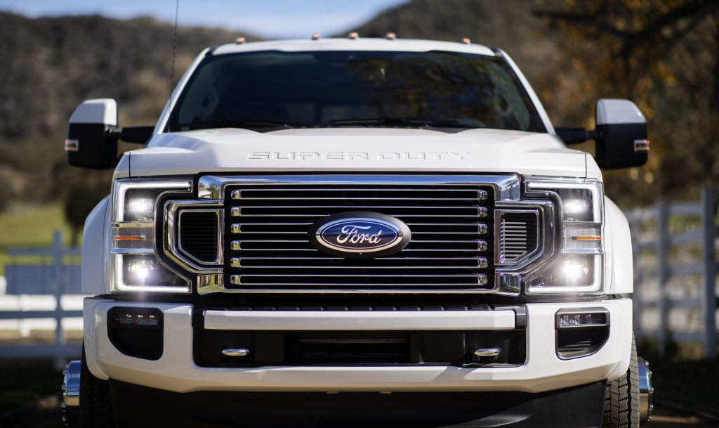 2020 F-450 Front View